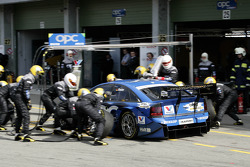 Pitstop for Manuel Reuter