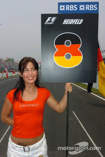 Grid girl of Nick Heidfeld