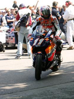 #41 2002 Honda RC211V, class 15: Nicky Hayden