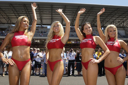 The lovely Hawaiian Tropic girls