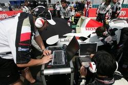BAR Honda team members at work