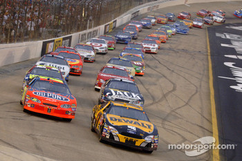 Start: Matt Kenseth and Jeff Gordon lead the field