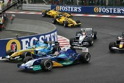 Start: Giancarlo Fisichella and Jacques Villeneuve battle
