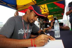 Autograph session: Narain Karthikeyan