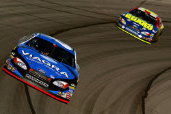 Mark Martin leads Greg Biffle