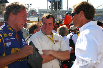 Jimmy Fennig talks with Ray Evernham
