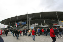 Fans arrive early at the Stade de France
