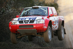 Team Nissan Dessoude: Krzysztof Holowczyc and Jean-Marc Fortin test the Nissan Pick-Up T1