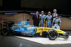 Patrick Faure, Giancarlo Fisichella, Heikki Kovalainen, Flavio Briatore and Fernando Alonso