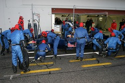 Pitstop practice for Scott Speed