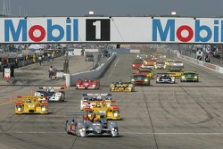 Start: #1 Audi Sport North America Audi R10 TDI Power: Frank Biela, Emanuele Pirro, Marco Werner leads the field