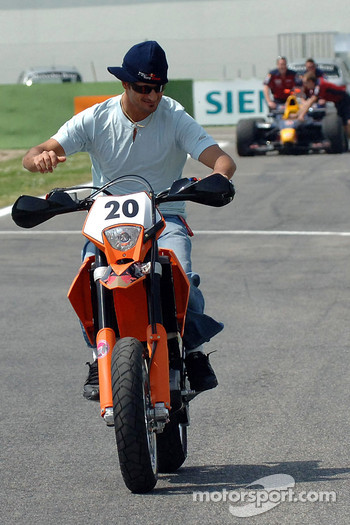 Vitantonio Liuzzi with his KTM