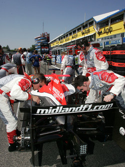 Midland F1 Racing team members on the starting grid