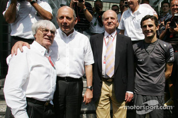 Bernie Ecclestone, Ron Dennis, King of Spain Juan Carlos I and Pedro de la Rosa