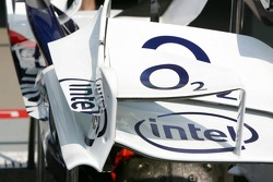 Front wing end plate and winglets on the front wing of the BMW Sauber F1.06