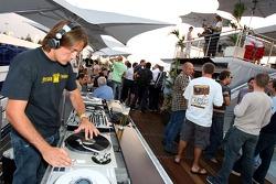 Red Bull chilled Thursday: the DJ