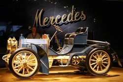 DaimlerChrysler Mercedes media warmup event: the 40 hp Mercedes-Simplex in the Mercedes-Benz museum in Stuttgart