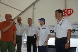 Nick Heidfeld and Dr. Mario Theissen meet the AVD marshalls