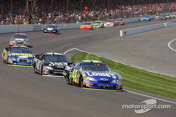 Jimmie Johnson leads Clint Bowyer