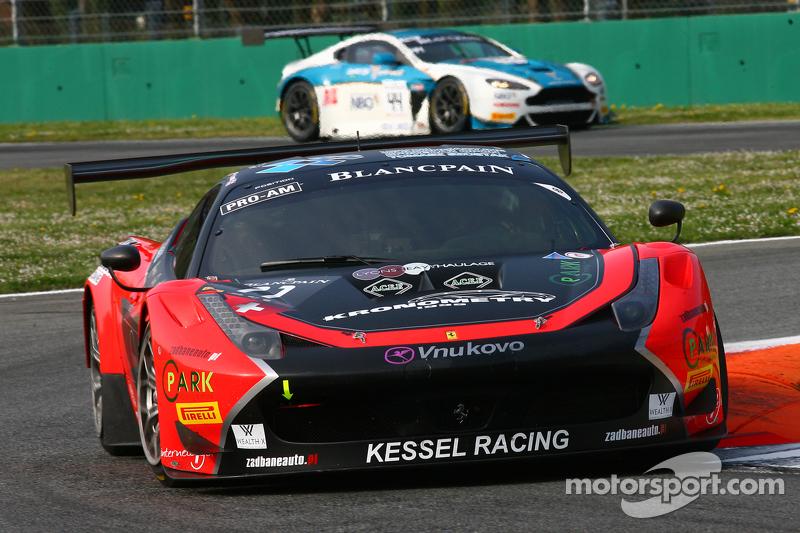 #11 Kessel Racing Ferrari 458 Italia: Michael Broniszewski, Michael Lyons, Alessandro Bonacini