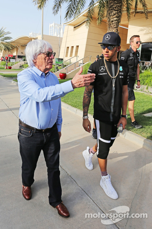 (L to R): Bernie Ecclestone, with Lewis Hamilton, Mercedes AMG F1
