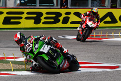 Jonathan Rea, Kawasaki, and Chaz Davies, Ducati Team