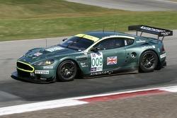#009 Aston Martin Racing Aston Martin DB9: Pedro Lamy, Stephane Sarrazin