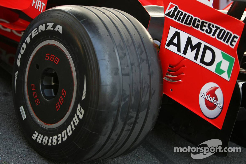 Scuderia Ferrari rear wheel covers