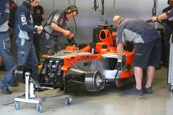 Spyker MF1 Racing garage area
