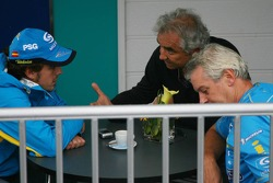 Fernando Alonso, Flavio Briatore and Pat Symonds