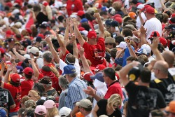 Talladega fans cheer as Dale Earnhardt Jr. is presented