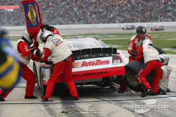 Pitstop for Kenny Wallace