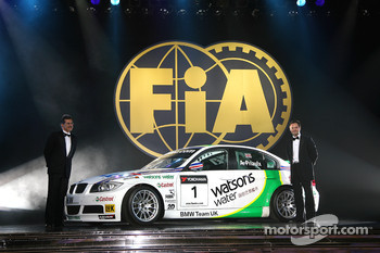 FIA World Touring Car Championship: Dr Mario Theissen and Andy Priaulx, BMW