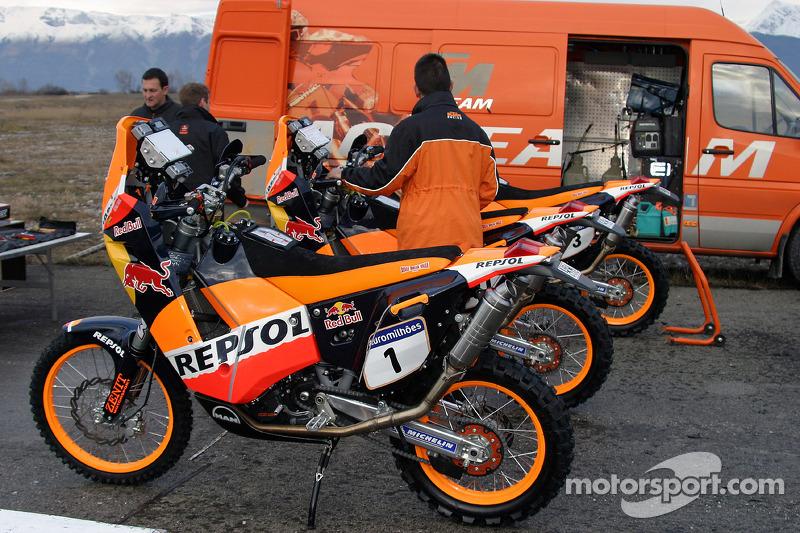 Team Rally Repsol Ktm Team Rally Repsol Ktm Bikes At Dakar