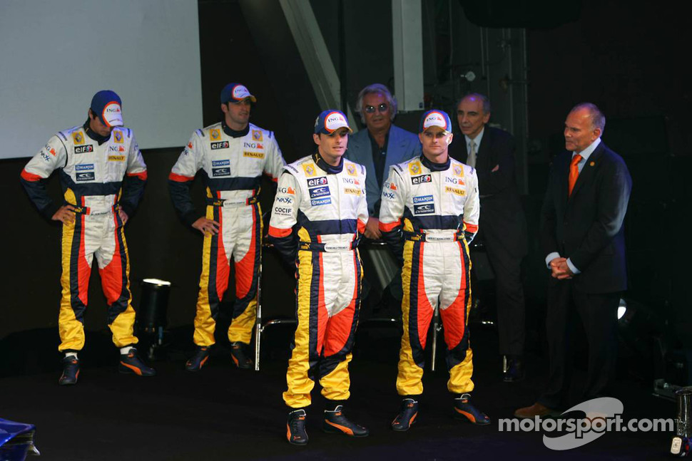 Giancarlo Fisichella, Heikki Kovalainen, Nelson A. Piquet, Ricardo Zonta and Flavio Briatore