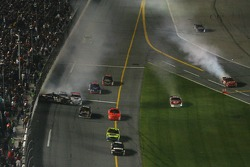 Last lap crash: Kasey Kahne hits Denny Hamlin, Dale Earnhardt Jr., Elliott Sadler and Greg Biffle collide