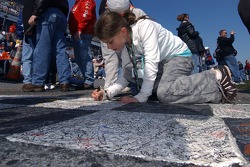 Autograph on the Start-Finish line