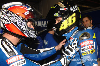 BMW M Award winner Valentino Rossi celebrates with Colin Edwards