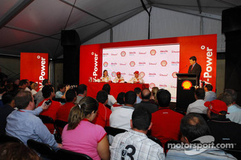 Kimi Raikkonen, Scuderia Ferrari, Felipe Massa, Scuderia Ferrari and Lisa Lilley, Shell, Formula 1 Project Manager - Shell Press Conference
