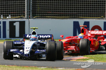 Alexander Wurz, Williams F1 Team, FW29 leads Felipe Massa, Scuderia Ferrari, F2007