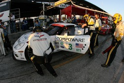 Pitstop practice for #3 Corvette Racing Corvette C6-R: Ron Fellows, Johnny O'Connell, Jan Magnussen