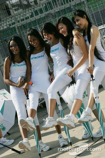 Petronas Girls