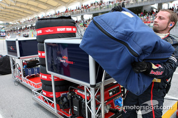 Scuderia Toro Rosso pit equipment