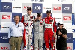 Podium Giancarlo Minardi and second place Jake Dennis and winner Felix Rosenqvist, Prema Powerteam and third place Mikkel Jensen, Mücke Motorsport and Emerson Fittipaldi