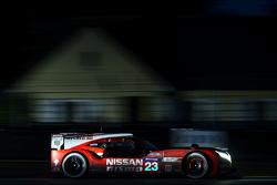 日产车队23号日产GT-R LM NISMO:奥利弗·普拉、简恩·马登博、马克斯·齐尔顿