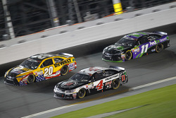 Matt Kenseth, Joe Gibbs Racing Toyota, Kevin Harvick, Stewart-Haas Racing Chevrolet and Denny Hamlin, Joe Gibbs Racing Toyota