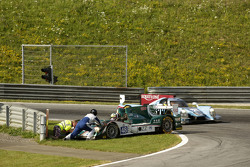 #48 Murphy Prototypes Oreca 03R - Nissan: Mark Patterson, Nathanael Berthon, Michael Lyons in trouble