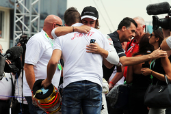 Fernando Alonso, McLaren with Tom Bianchi, on the grid