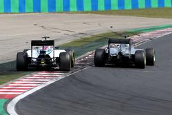 Valtteri Bottas, Williams F1 Team and Lewis Hamilton, Mercedes AMG F1 Team