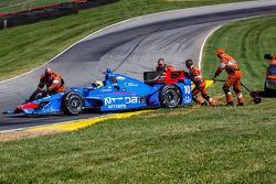 Tony Kanaan, Chip Ganassi Racing Chevrolet in trouble